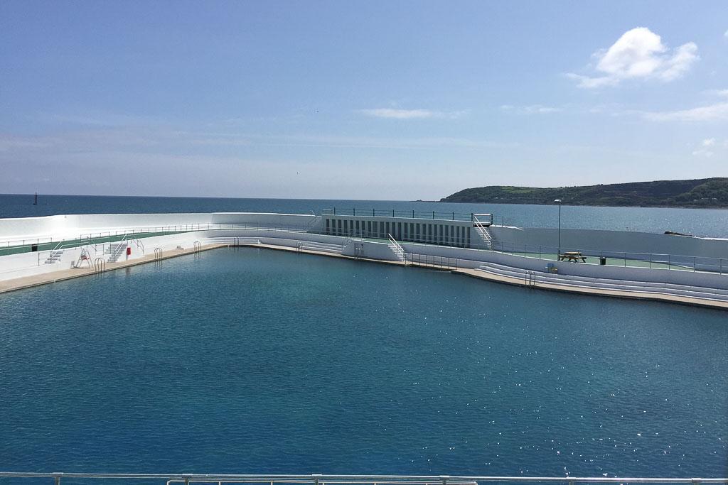 Restauriertes Art Deco Schwimmbad in Penzance