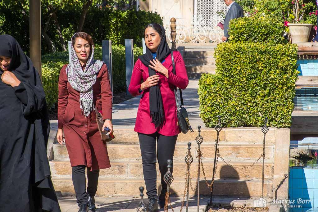Junge Frauen im Iran