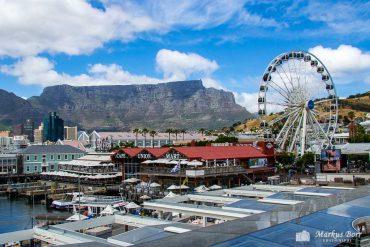 Kapstadt Waterfront mit Blick auf den Tafelberg